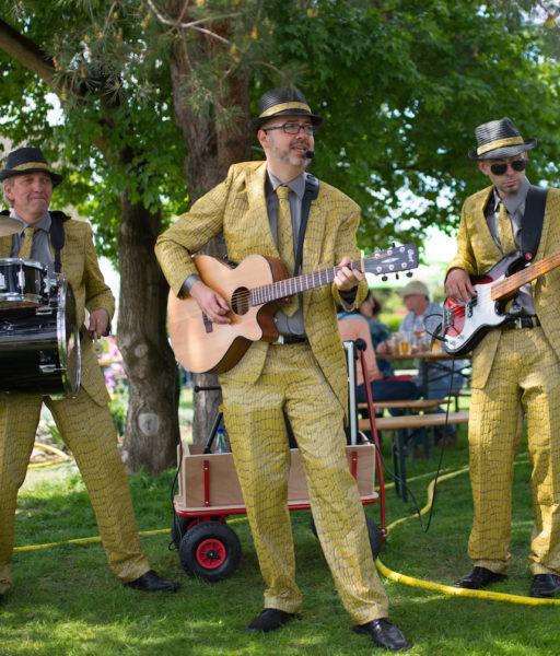 Partyband Trio Schlangenanzug